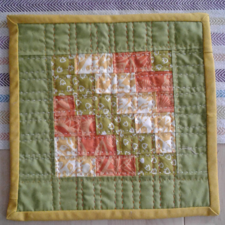 crafter_anna_daffodil_hanging