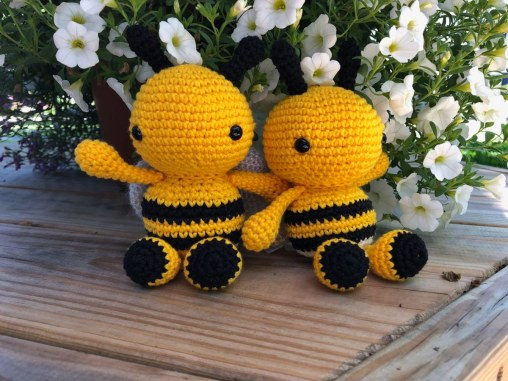 crafter_janet_crochetedbees1